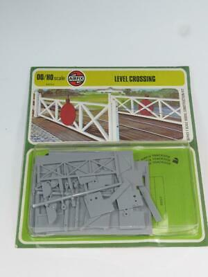 AIRFIX OO/HO Scale Model Railway Kit LEVEL CROSSING Type 4 Blister Pack • 11.24€