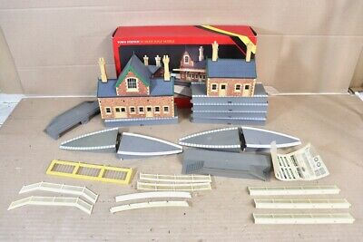 Hornby R593 Town Station Double Plateforme Ensemble Emballé NW • 40.06€