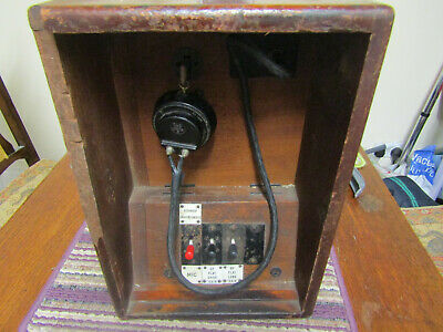 Vintage Railway Station Announcers Microphone In Wood Case • 84.23€