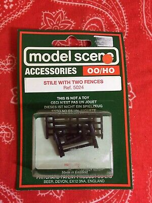 Model Scene 5024 Stile With 2 Fences OO/HO Gauge • 2.81€