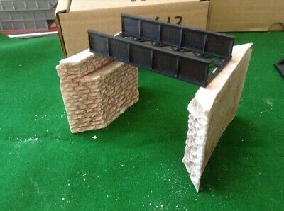 N Scale,  Bridge & Bevelled Stone Bridge Abutments -SINGLE Track- Pre Painted • 6.68€