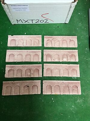 Z Scale/ Z Scale Stone Arched  Wall X 8 Painted, MXT202 • 4.52€