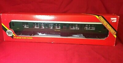 Hornby R933 SR Green Composite Coach OO Gauge Boxed • 17.34€