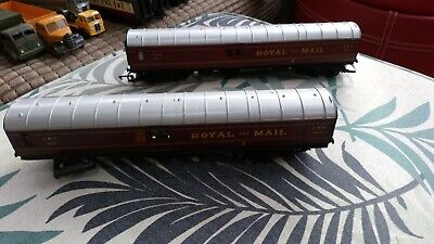 HORNBY 2x  ROYAL MAIL  LMS30250 COACHES  • 4.61€
