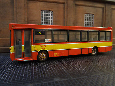 Efe Plaxton First Capital Bus (lineside Weathered) Boxed • 32.79€