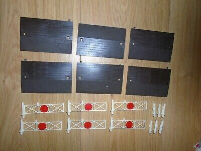 Collection Of Level Crossing Sections For Hornby OO Gauge Sets • 11.23€