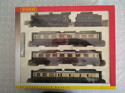 Hornby R2025 G.W.R. County Locomotive With Three Centenary Coaches • 1€