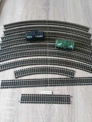 Hornby Trains Track And 2 Wagons And Track Mat. • 9.97€