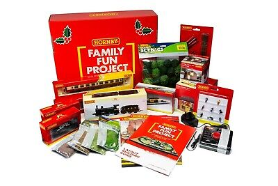 Hornby R1278 OO Gauge Christmas Family Fun Project • 274.49€