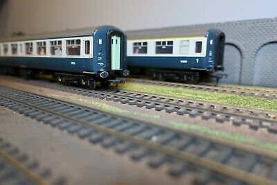 Bachmann OO Gauge Mark 2 Coaches - Blue-Grey - Set Of 2 - With Passengers! • 34.68€